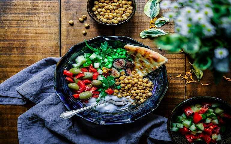 Dieta Vegana: Pro e Contro di una Scelta Alimentare ed Etica